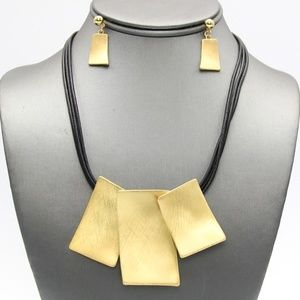 Jewelry - Gold Metal Rectangles Pendant Necklace Set